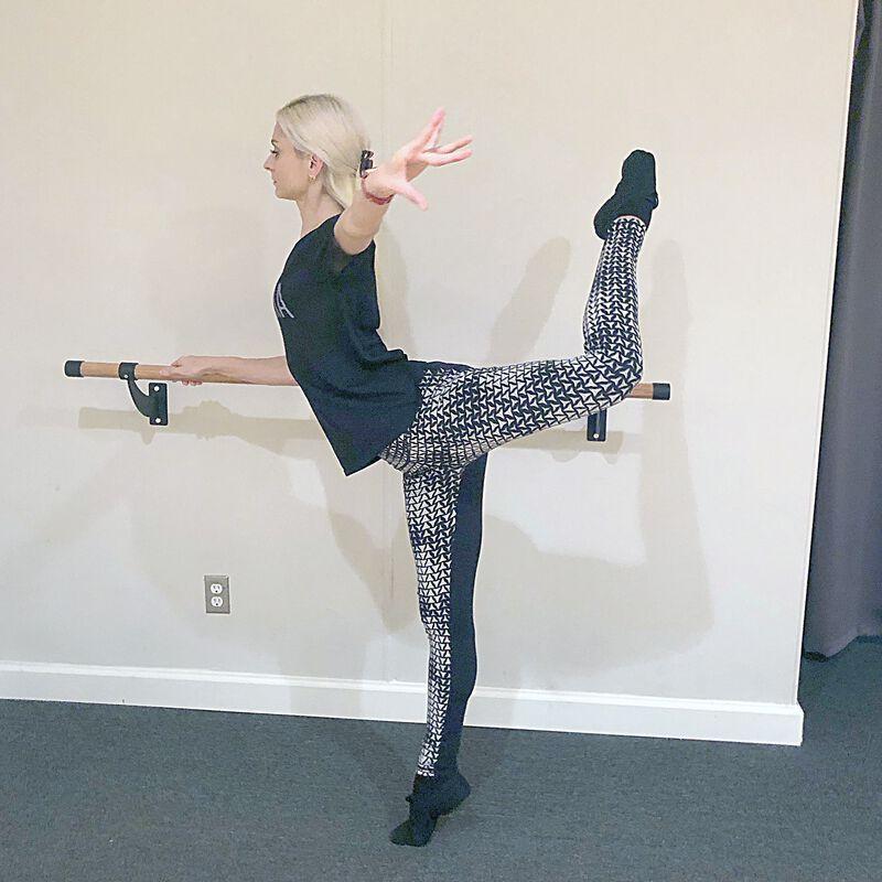 Wooden Ballerina Barre   Wall Mounted   4 Ft